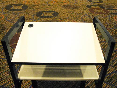 Podium-Euro-table
