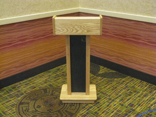Podium-Oak-Pedestal-straight